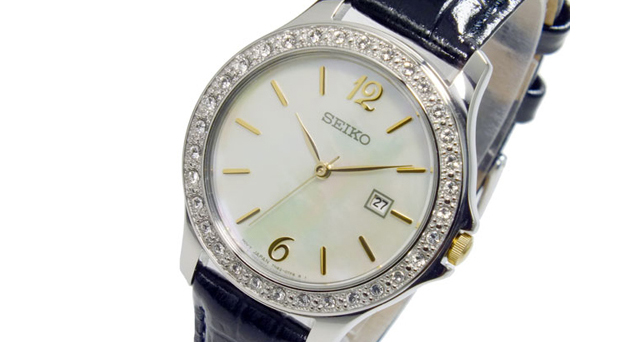 タフで便利腕時計