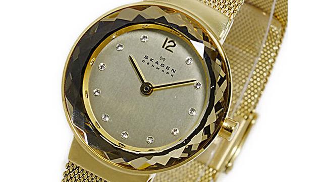 カジュアルファッションに映える腕時計