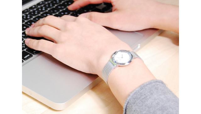 スカーゲン メッシュベルト腕時計