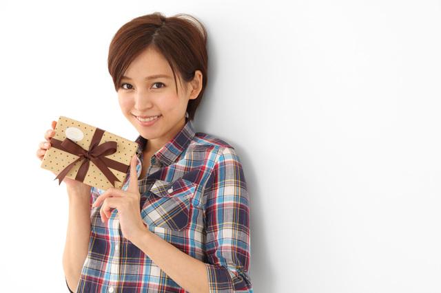 彼女のプレゼントにおすすめ長財布
