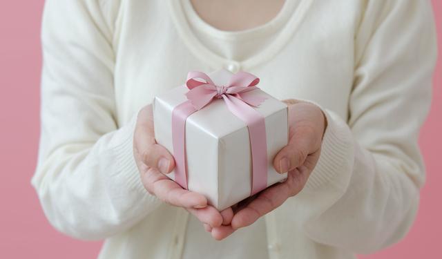 プレゼントに革ベルトがおすすめ