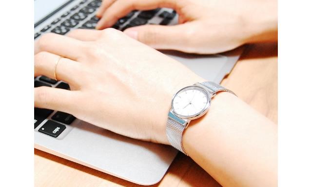 スカーゲン メタルバンド腕時計