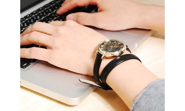 マークバイマークジェイコブス 革ベルト腕時計