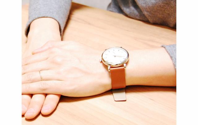 マークバイマークジェイコブス革ベルト腕時計