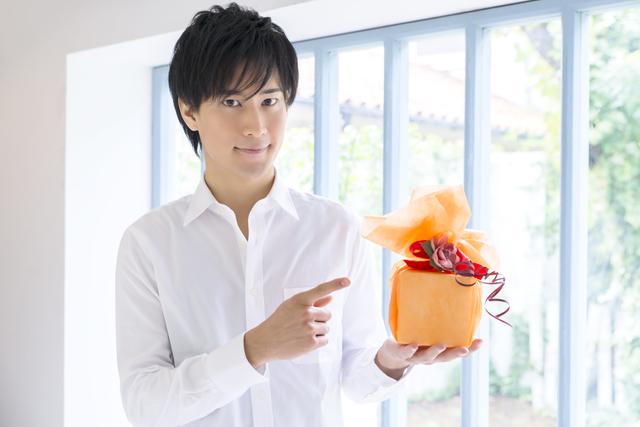 年齢別誕生日プレゼントの相場金額