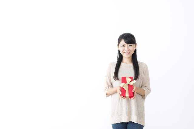 彼女の誕生日プレゼントにおすすめケイトスペード財布