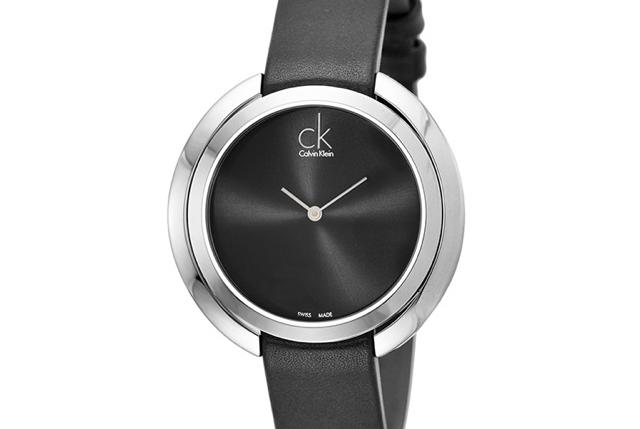 シンプルで美しいカルバンクライン腕時計