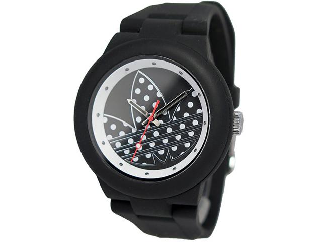 アディダス腕時計の黒が人気
