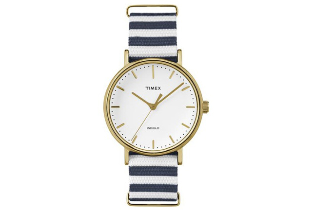 様々なファッションに対応タイメックス腕時計