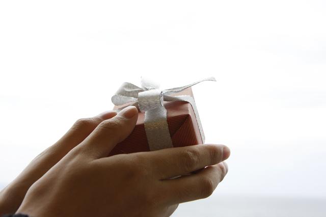 プレゼントにマークバイマークジェイコブスネックレスが人気