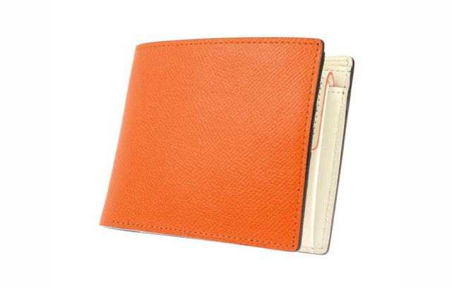 上品に美しく魅せてくれるゾンネ短財布