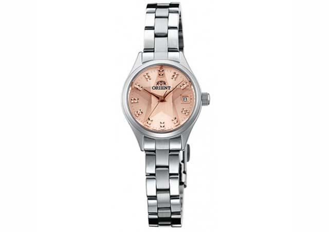 女性らしく遊び心があるオリエント腕時計