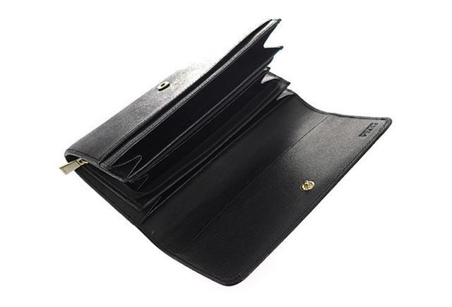 フルラの長財布はシンプルだから飽きが来ない
