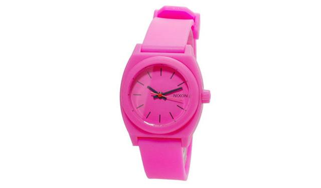 ニクソンの腕時計はお揃いでつけることができる