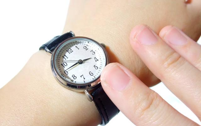 カシオ腕時計 革ベルト