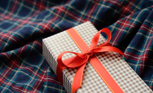 名刺入れがプレゼントに最適な理由とは