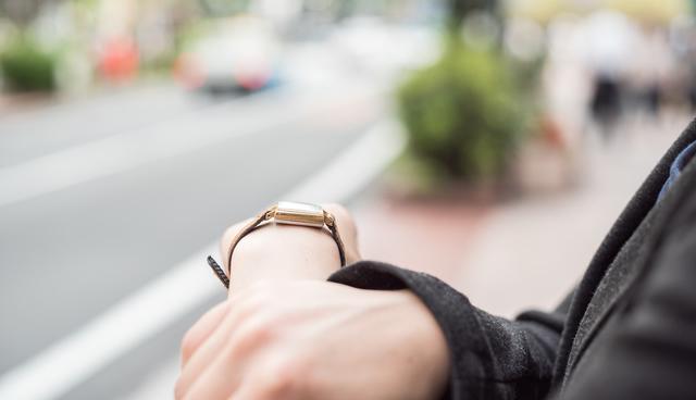 クルースのレディース腕時計が似合う年齢層