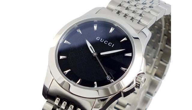 シンプルな王道デザインが魅力的な腕時計