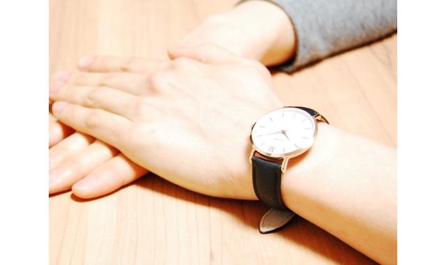 ワンランク上のカジュアルスタイルになる腕時計