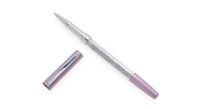 書き心地もよく書いている姿も美しいボールペン