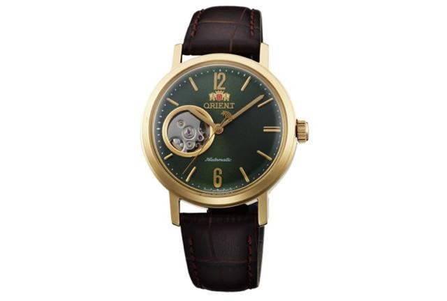 アンティーク感漂うデザインの腕時計