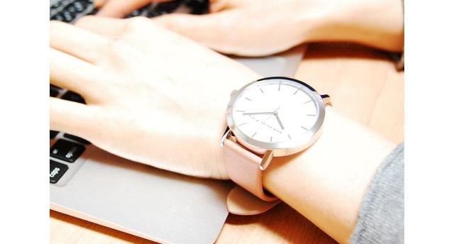 カジュアルスタイルをワンランク上にする腕時計