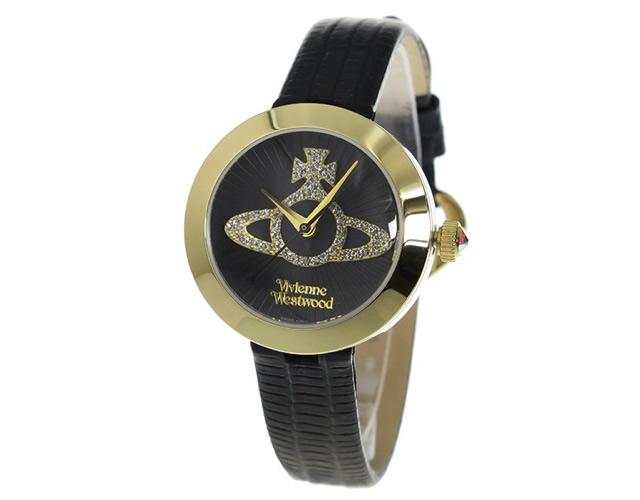 シンプルスタイルのアクセントになる腕時計