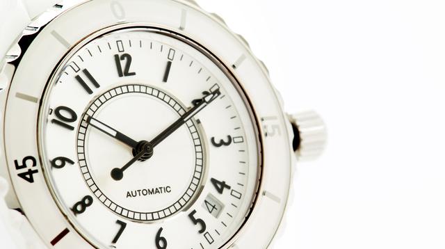 女性は平均で何本腕時計を持っている
