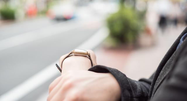 仕事での腕時計の選び方ポイント