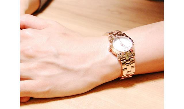人気の腕時計をプレゼント