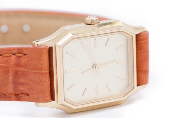 四角の腕時計の特徴