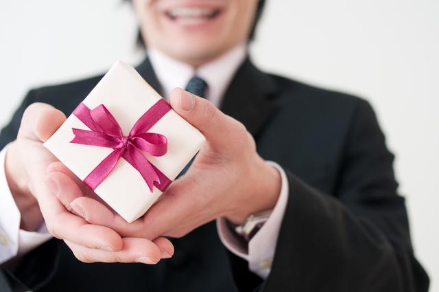 定番の人気プレゼント!20代後半の彼女への昇進祝いに贈る腕時計のおすすめブランド!