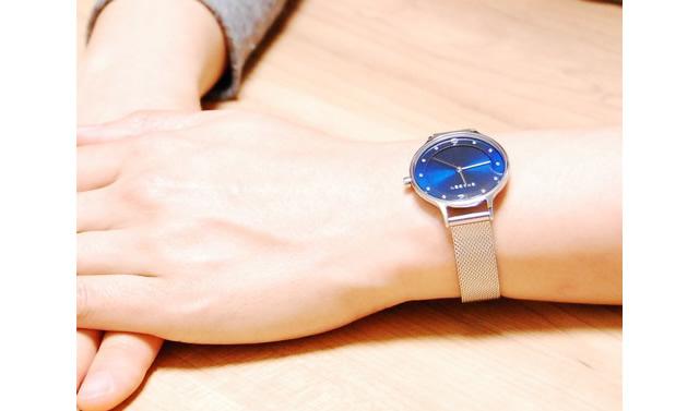 シンプルでかわいいスカーゲンの腕時計