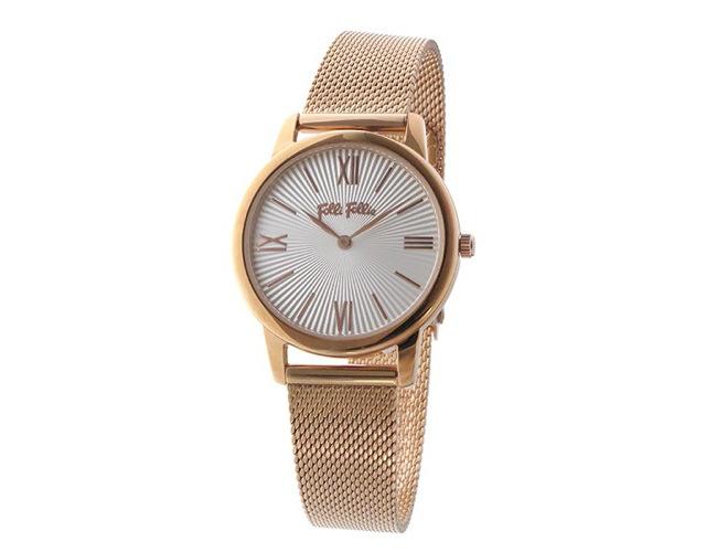 アクセサリー感覚で身に着けられるフォリフォリの腕時計