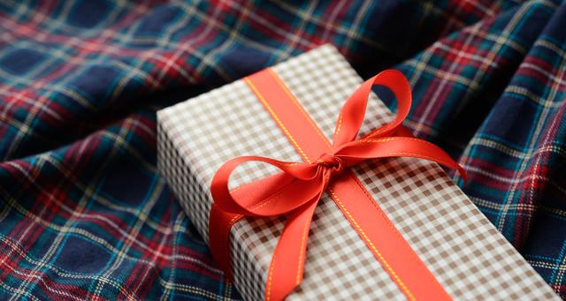 プレゼントには実用的な財布がおすすめ