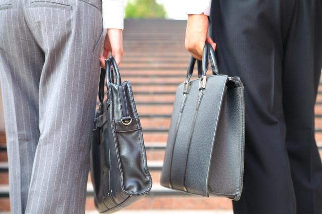 ビジネススタイルに合うレディース短財布
