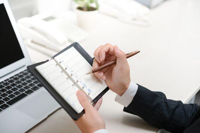 書きやすいボールペンを使うメリットとは?