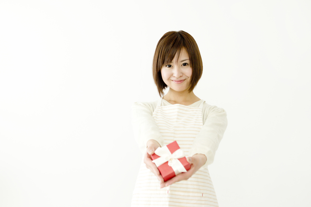 女性へのクリスマスプレゼントには毎日使える必須アイテム腕時計!