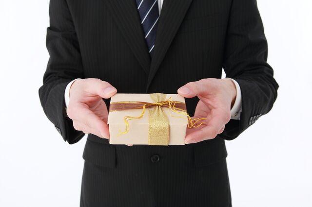 女性への昇進祝いのプレゼントを失敗しないための選び方とは?