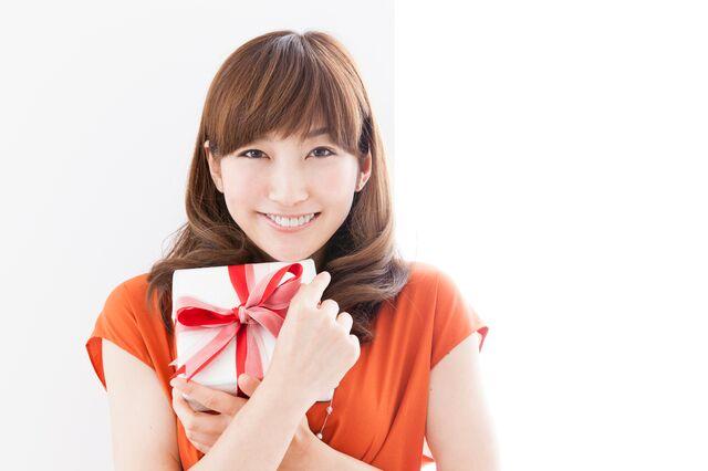 コモノの腕時計がプレゼントに喜ばれる女性の年齢層とは?
